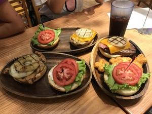 KUA `AINA Burger  林口店