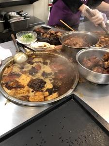 五燈獎豬腳魯肉飯