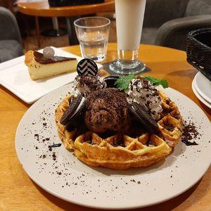 黑浮咖啡 RÊVE Café  高雄文山店