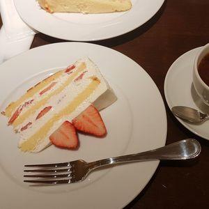 水果千層蛋糕 Harbs ヒカリエ店