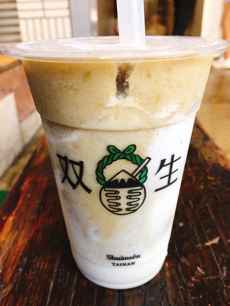 双生綠豆沙牛奶 Shuànsên beverages