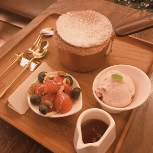 卡啡那 Caffaina Coffee Gallery 美術館店