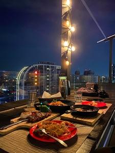 ABV 閣樓餐酒館-頂樓景觀餐廳-世界精釀 板橋府中店