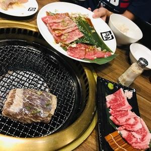 牛角日式炭火燒肉 華泰名品城店